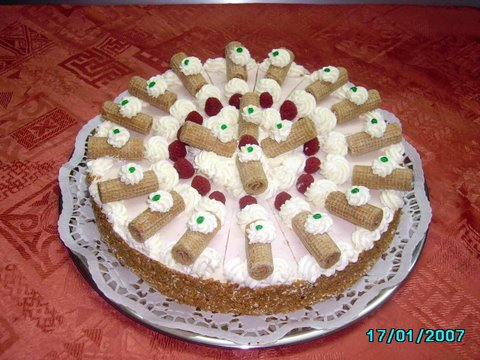 Torten Buttercreme Torte Viereckige Buttercremetorte Hochzeitstorte